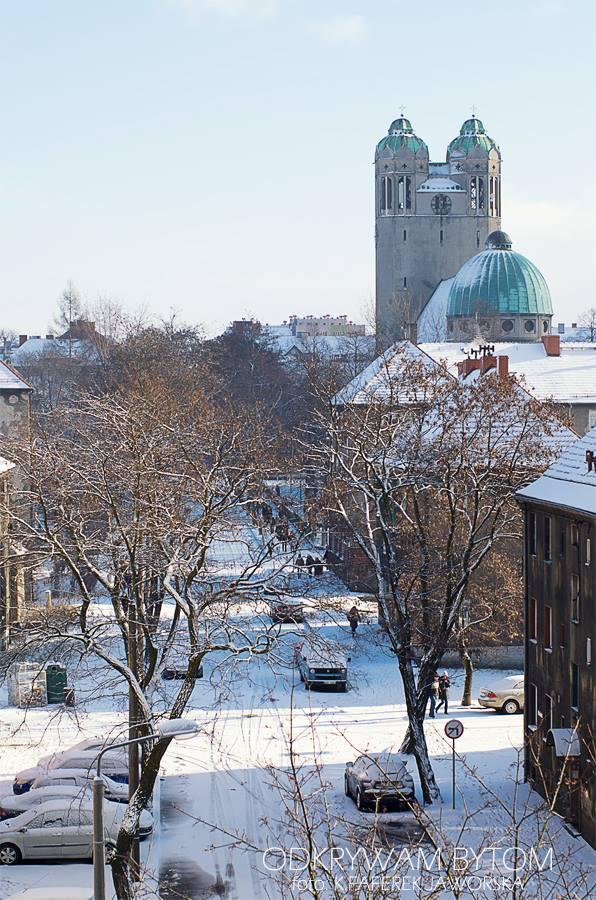 Bytom, Kościół św. Barbary zimą