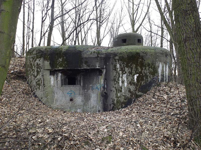 Obiekt nr 8, Ciężki dwukondygnacyjny schron bojowy wyposażony w kopułę pancerną, Bytom, ul. Kolonia Zygmunt
