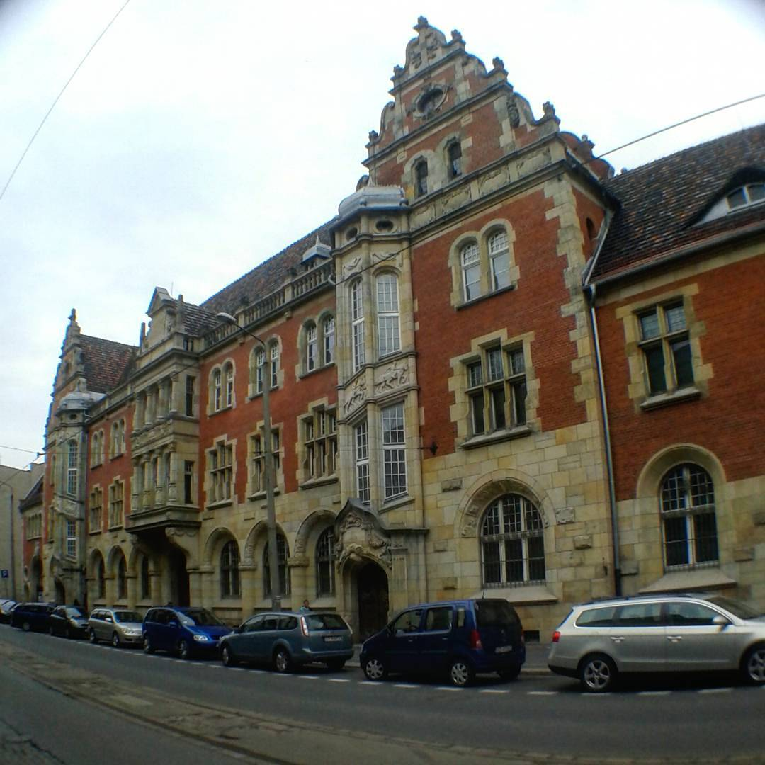 Bytom, ul. Piekarska, Budynek poczty