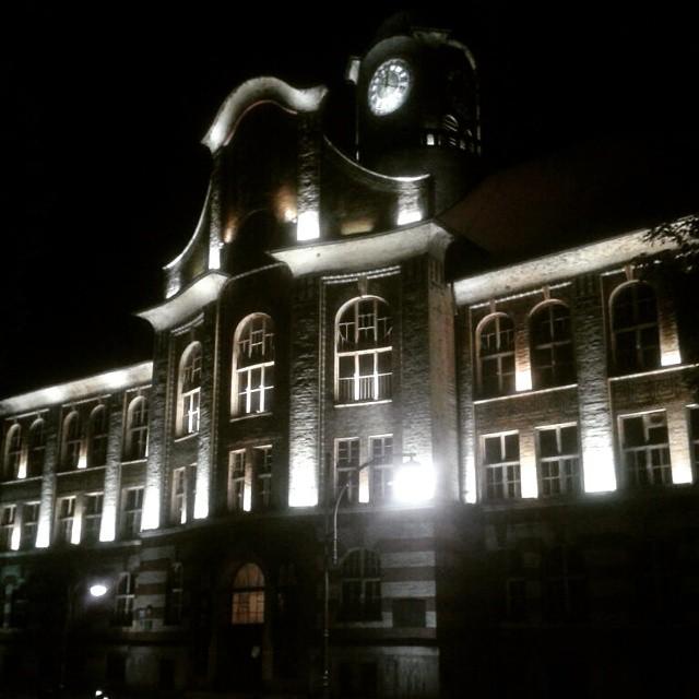 Bytom, Budynek IV Liceum Ogólnokształcącego im. Bolesława Chrobrego (dawniej Miejska Szkoła Realna)