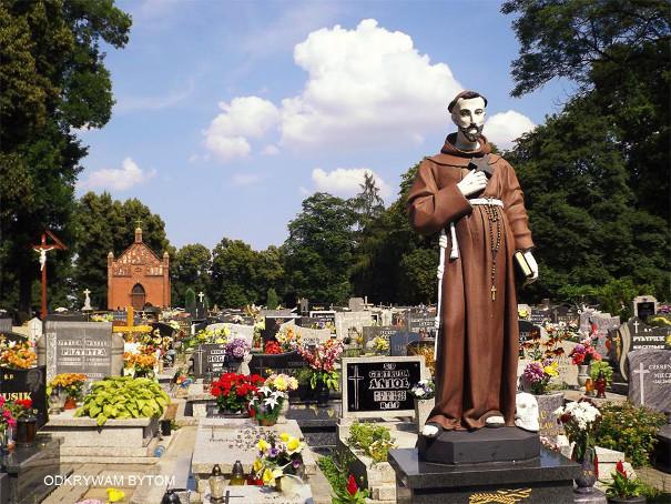 Cmentarz parafii pw. Krzyża Świętego w Miechowicach, Bytom