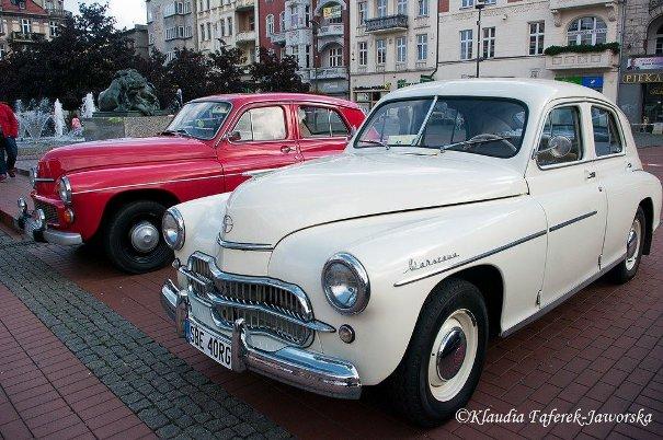 Stare Warszawy na rynku w Bytomiu